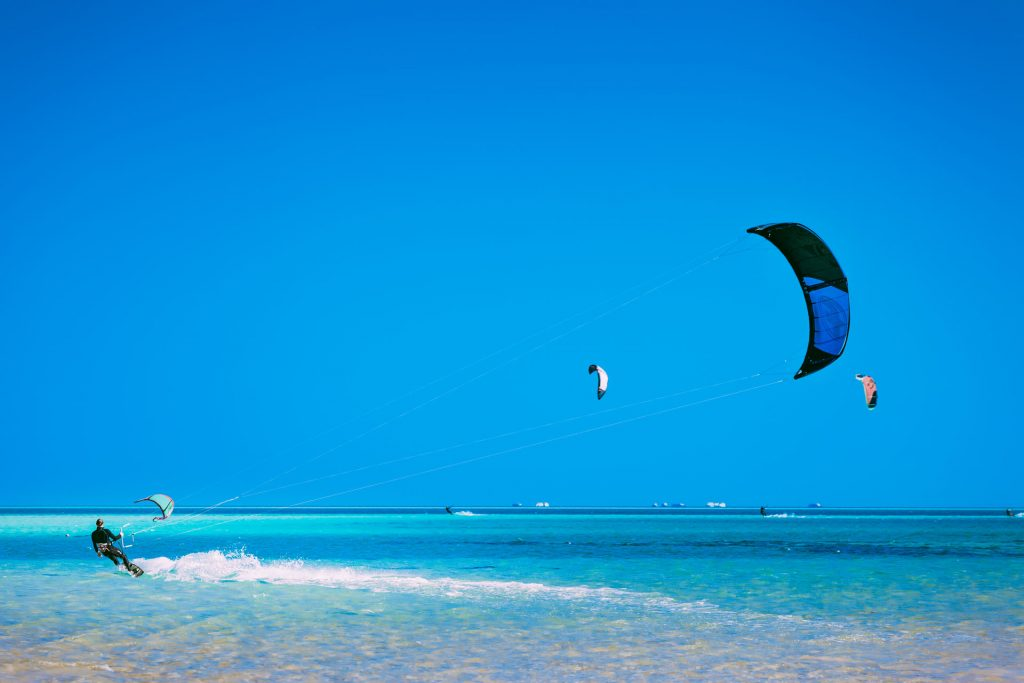 The kiter gliding